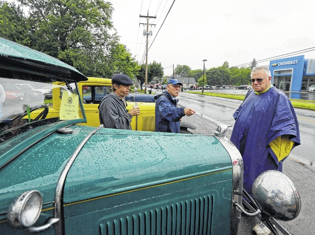 Tunkhannock's Founders Day goes on despite rain