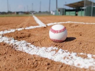 Big innings decided Field of Dreams baseball game